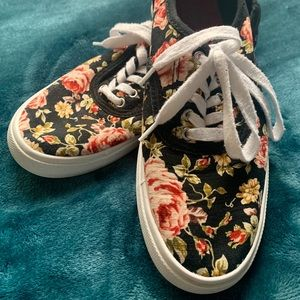 Mossimo Supply Co./Target Patterned Low-tops